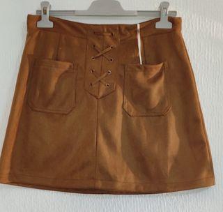 falda ante marron