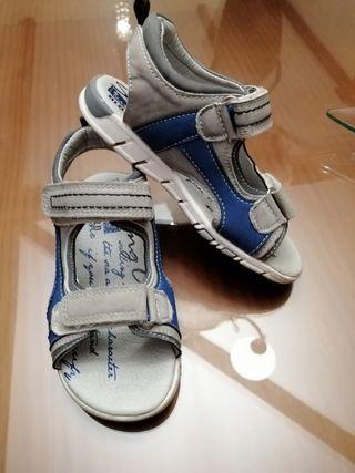 sandalias de piel de niño talla 27