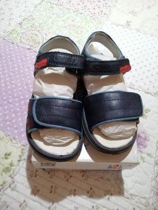 sandalias marca Chicco de piel talla 27