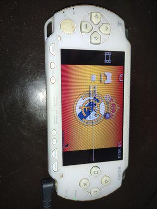 PSP con cargador y funda