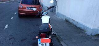 Moto Hanway Raw 125 cafe-racer