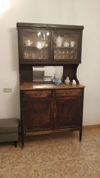 mueble aparador antiguo