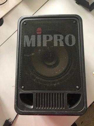 ALTAVOZ MIPRO CON CD Y SALIDA MICROFONO