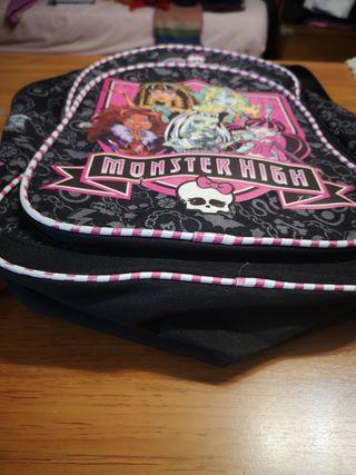 mochila de las monster high rosa y negra