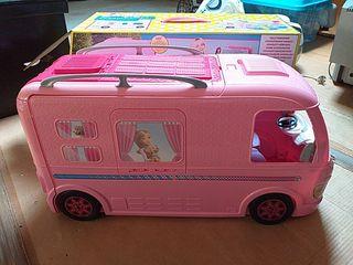 Autocaravana Barbie.