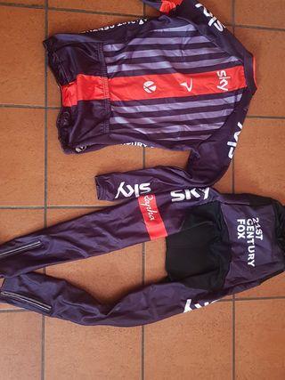 Equipación ciclismo SKY