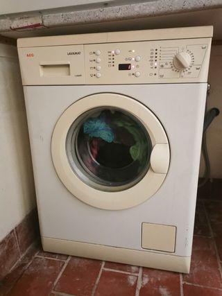 lavadora AEG. da error E 10