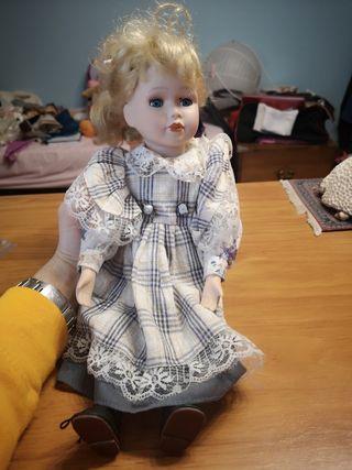 muñeca de porcelana 40 cm colección.