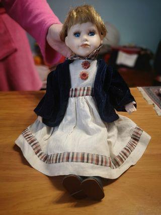 muñeca de porcelana de 40cm item internacional col