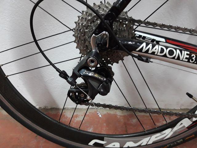 Trek Madone 3.5 carbono.