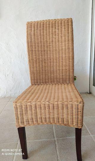 Cinco sillas terraza/jardín