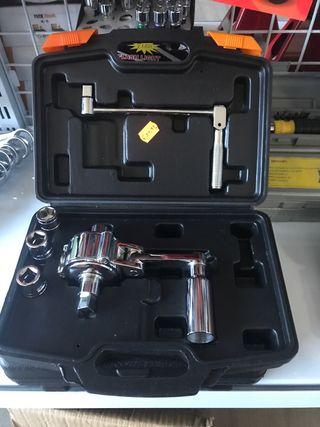 Multiplicador de fuerza cromado - Llave de ruedas