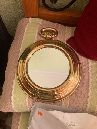 Espejo de latón antiguo estilo vintage