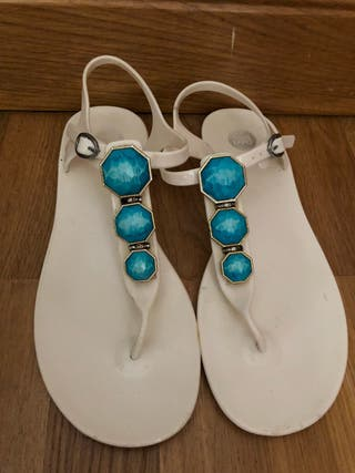 Sandalias muy bonitas