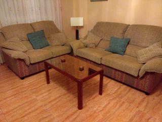Dos sillones de tres y dos plazas