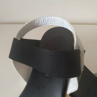 Sandalias Plataforma Negro y Plata Metálica