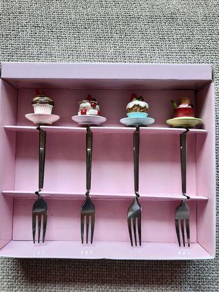 Tenedores de tarta.
