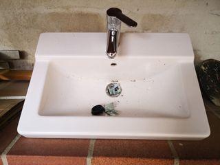lavabo completo con grifo