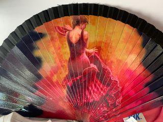 Abanico de madera flamenca