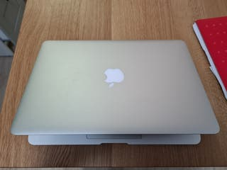 "MacBook Air 13"" (2015) COMO NUEVO"
