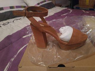 sandalia abierta marrón N.38