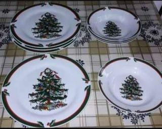 4 platos GRANDES Y 4 HONDOS de NAVIDAD (NUEVOS)
