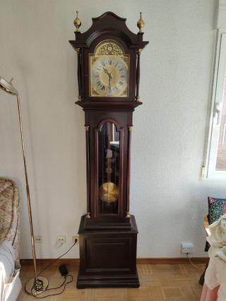 reloj de carillon de pie