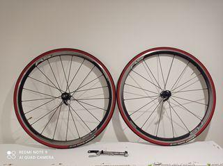 2 ruedas de bici carretera