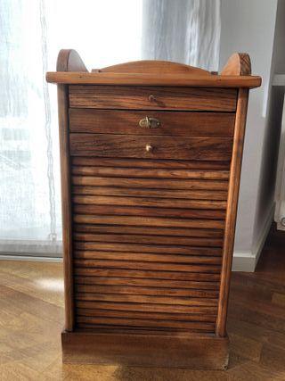 Mueble de madera antigua con persiana (tengo 2)