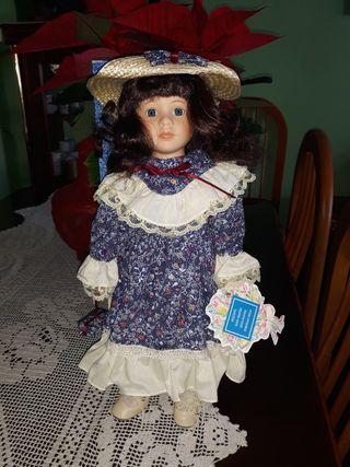 muñeca de porcelana .