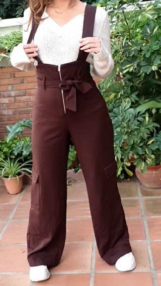 Pantalón marrón pata elefante