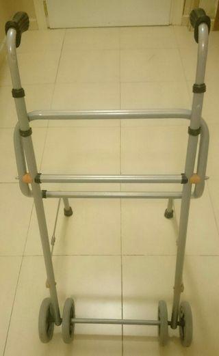 Andador para ancianos/discapacitados