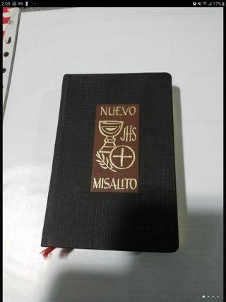 Nuevo Misalito Regina . Libro religioso de 1973