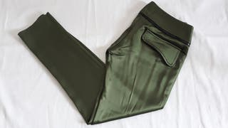 Pantalón T. 36 verde con brillo