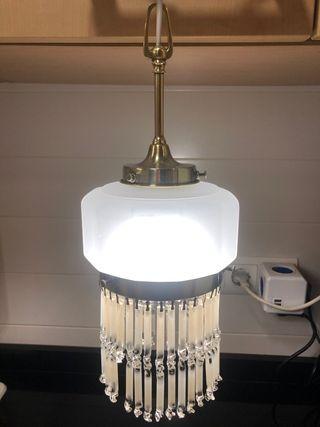 Antigua lámpara de techo Modernista