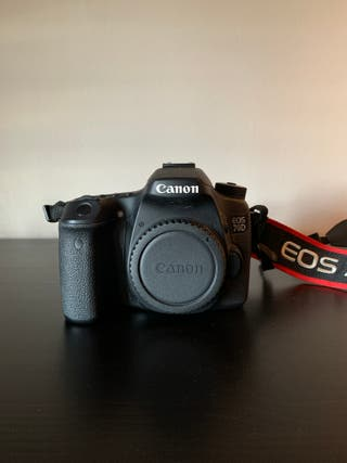 Canon EOS 70D + EF-S 18-135mm
