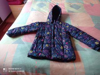 Se vende anorak para niña de 6 años