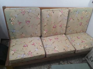 Conjunto sofá y sillón de madera vintage