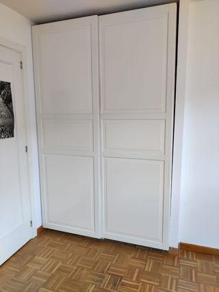Armario Pax Ikea con puertas correderas