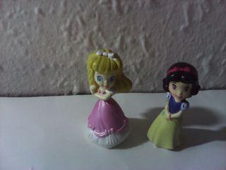 lote 2 figuras princesas zizzles disney