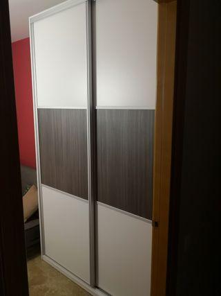 Armario puertas correderas con cajones