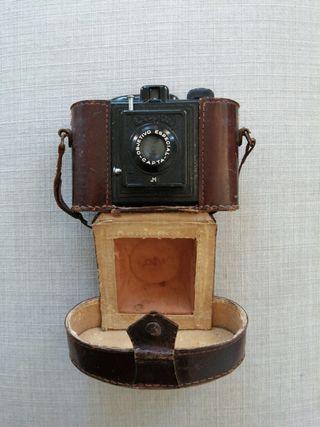 Cámara de fotos Capta 1944. Objetivo especial.