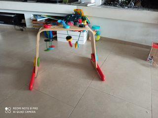 gimnasio bebe de madera ikea