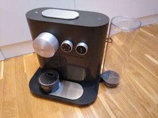 Cafetera Nespresso Expert - OPORTUNIDAD