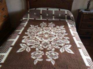 Manta para cama Rasilan de 90 o 105 cm.