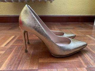 Zapatos tacón dorados - negociable
