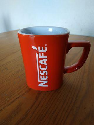 Regalo Taza Nescafé roja por compra