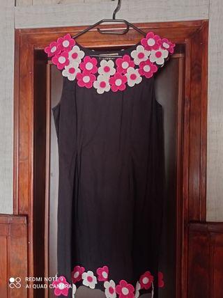 Vestido bonito con flores