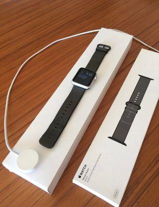 Apple Watch series 1-38mm + 2 correas originales.