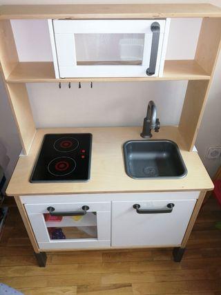 Cocina juguete Ikea y complementos